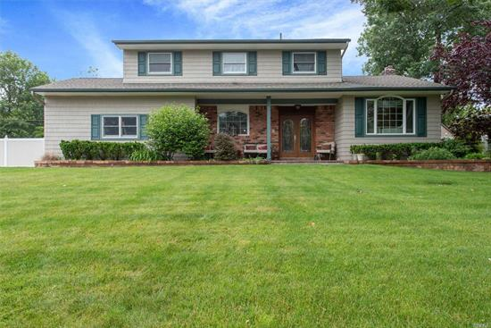 Great Colonial On Cul De Sac, Granite Kitchen, Updated Baths, SS Appliances, Great Yard, Easy Access to Parkways. Immediate Occupancy. A Must See!