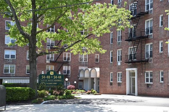 High floor Spacious one bedroom one bath home with Seasonal views. Large LR/DA, Eff Galley kitchen w/SS Appliances~updated bathroom w/shower stall~ crown molding~ elevator building~onsite laundry~outdoor pool~garden sitting area~Fitness Center~24 hr. security~nearby shopping, restaurants, transportation and close to all major hospitals! Street Parking~Fabulous location!! Maintenance includes heat/gas/water & Property taxes!