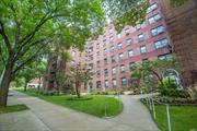 Great two bedrooms one bath COOP convenienetly located in prime location in Flushing, only minutes away from Main Street. Corner unit with lots of natural lights, and both kitchen and bathroom has windows with spacious living room. Close to all shops and supermarkets. Close to Q25, Q34 and QM2 QM20 to Manhattan.