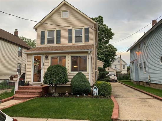 Great Location, Mint condition property, low taxes, Rockville Centre school district, close to everything. Look no further. Make this your home. Walking distance to train station.
