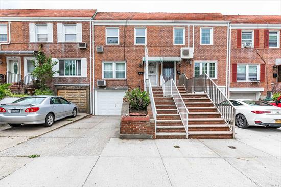 Beautiful Single Family Home Located In the Heart of Fresh Meadows. Well Maintained Kitchen And Bathrooms. Fully Finished Basement. Private Driveway With Garage. Fenced Backyard. Blue Ribbon School District 26. Closed To All Transportation And Shopping.