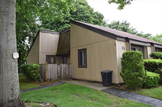 Lovely Coventry End Unit with 2 Bedrooms, 1.5 Baths, Enclosed Sunroom, Spacious Lr/Dr, freshly painted, in active senior 55+ Community, Washer & Dryer, Pets considered, Community offers IG Pool, Clubhouse, Bocce, Shuffleboard,  Close to Shopping, Tenant to pay Electric and Cable