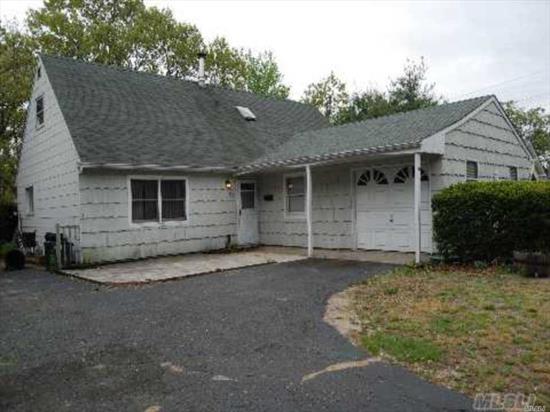 Property needs work...Looking for Handyman or Investors...Cash or 203K Loan.
