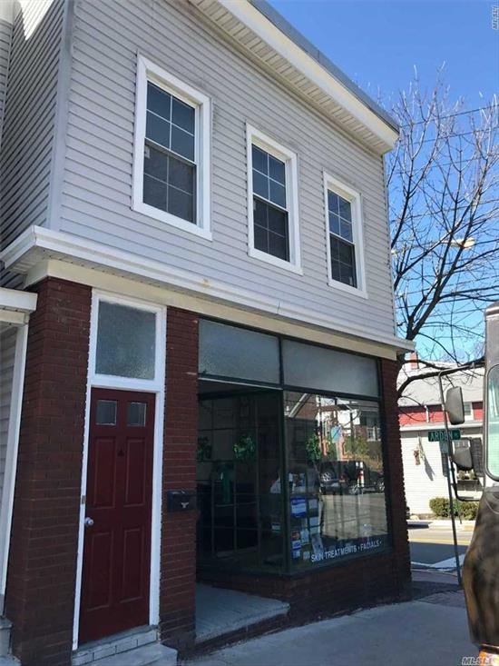 Upstairs Corner Unit with Lots of Natural Light Flowing Through, 1 Bedroom, Living Room EIK and Bath- Pet's allowed w pet deposit and $25.00 fee per month.