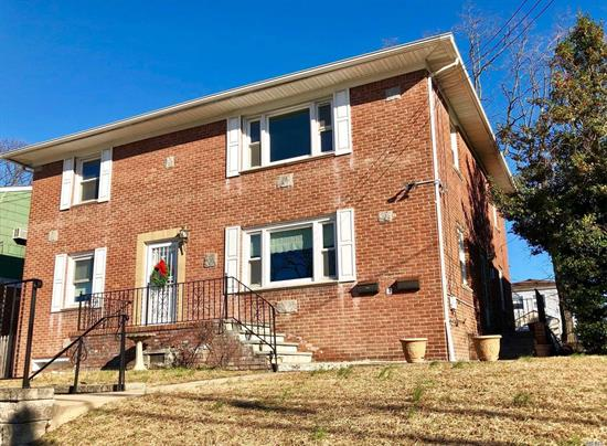 Spacious 2 bedroom apartment with a large living room and a den/dining room/3rd bedroom. Totally renovated with new appliances, new countertops, new bathroom and hardwood floors. Close to Manorhaven Park.