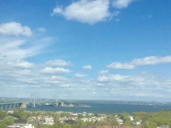 Best Views-- 7 Bridges and Little Neck Bay + NYC Skyline----Large Liv Rm (26 x 13), 1 Bedroom, 1 bath, EIK, Lots Closets---2 Walk In plus 2 others....