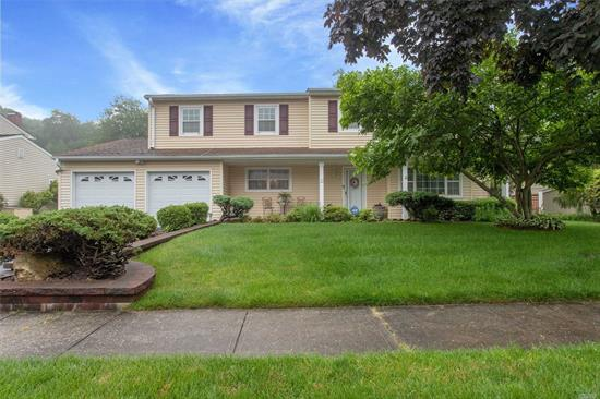 Lovely Center hall Colonial sitting on Cul-de-sac in Connetquot School District. This home features al large rooms with formal LR, DR, EIK, open to family room, laundry room on main level. Lovely Condition with no updates.