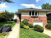 Large Family Around 2280 Sq Of Living Space. 3 Bedrooms, 2.5 Bathrooms And Full Finished Basement. Nice Back Yard. Hardwood Floors. Washer And Dryers. Near All Highways. All Utilities Pay By Tenants. Schools In 26 School District .Ps 221.Ms 67