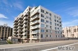 Lovely 1 Br, 1.5 Baths, Liv Rm Din Area Kit (combo), Terrace with Magnificent Oceanviews, 1 parking spot