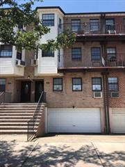 Completely renovated 2 Bedroom Condo, which includes a Lr/Dr Combo, Kitchen, 2 Bedrooms (which includes 1 Master Bedroom) and 2 Full Bathrooms. Includes brand new stainless steel appliances, brand new hardwood floors, and brand new granite counters.