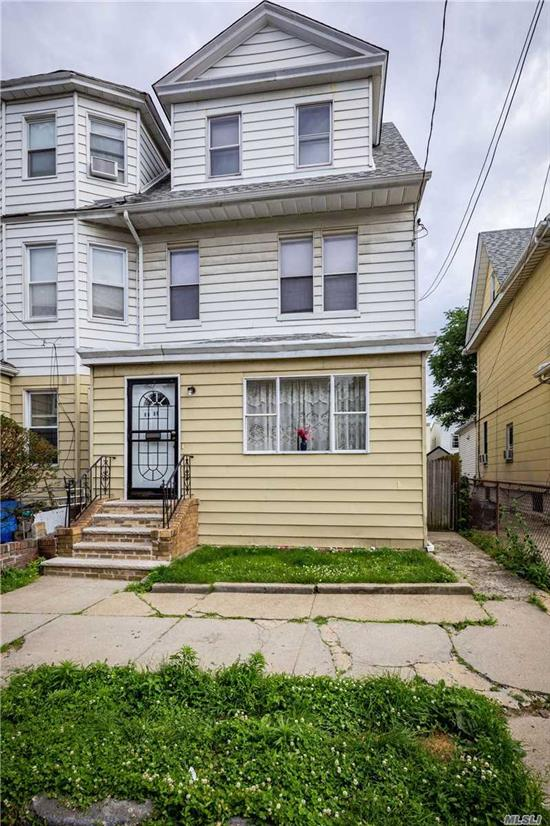 1 family Colonial home in the heart of Woodhaven. Close to transportation and stores. 4 bedrooms, 2 baths, living room and dining room.