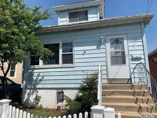 Located in The Five Towns, Make This Your Home. Expansion Potential, Builders And Investors Are Welcome. Conveniently Located In The Nassau Queens Border, Minutes To Transportation. Major Highways, Easy Commute To NYC, Long Island And JFK Airport.