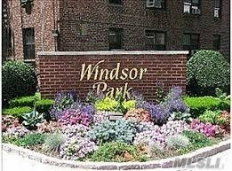 Great 1 st floor unit with 1 Bed room 1 Full Bath with Wood floors, in the New Windsor Park,  Pool, Laundry Facilities, Low Monthly Maintenance!