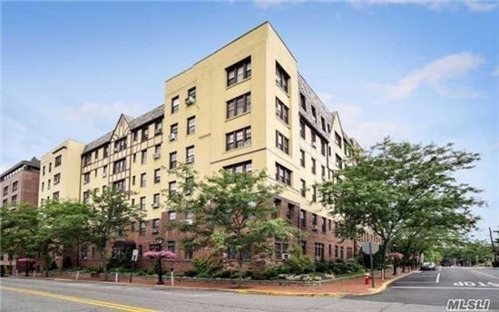 Great Neck Plaza//Westminster Hall is the most Desired Pre-War Co-op//Always wanted to live in the pages of a Design Magazine?//This hip fully renovated corner unit is composed of 2 adjoining units fulfills that desire with every detail//Tons of outfitted Closets plus a rare Deeded storage room//Both an on-suite Master Bath + a hallway Guest Full Bath//Washer-Dryer install permitted in-unit//High and open sky views//2 Blocks to LIRR//Grand in Scale While Moderne in Vibe//Super Great Apartment!