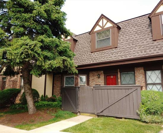 Largest Townhouse in Quail Run that Features 2 Bedrm + Foyer w/closet (put wall up for 3rd Bedrm). Large Lr, DR w/Fireplace. EIK Updated with Appliances only a couple yrs old. 2.5 Baths. Community has 3 IG Pools, 1.4 Mile Walking Path that's pet friendly, Club House for events. Close to RR and Plenty of Shopping...Tanger Mall less than a mile away.