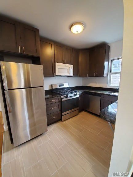 Gorgeous 4 Bedroom Apartment in Whitestone. Features Living Room, Updated Eat-In Kitchen w/ Dishwasher, and 1 Full Bath. The Attic Is Spacious and Great For Storage. Heat and Water is Included. Tenants Pay Gas & Electric. Hardwood Flooring Throughout. Accessible Street Parking.