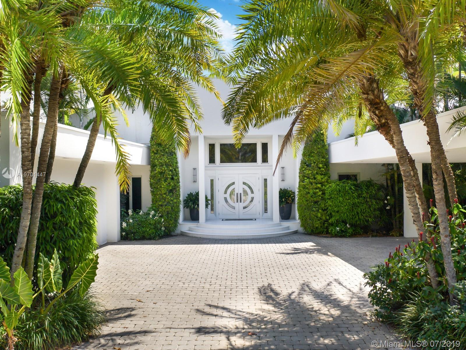 This Spectacular Residence Has Breathtaking Views With Approximately 100 Feet Of Waterfront On Hurricane Harbor. The Property Includes A Grandfathered-In Concrete Dock And Pilings Suitable For Watercraft Up To 85 Feet. <Br /><Br />The House Has A Wonderful Floor Plan With Incredible Open Spaces And Amazing Natural Light Throughout. It Has 6 Bedrooms And 6 Bathrooms.