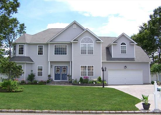 Beautiful Turn Key PostModern Home on large property featuring, large Kitchen with Butlers Pantry, 5 large bedrooms, 4 Full Baths, 0.5 Bath. Recently Finished Basement with endless upgrades including outside entrance, State of the art Security System, Top of the line Appliances, Raised Panel Chair Rail & Crown Molding throughout House, Wood Floors, Custom Ordered Curtains and Blinds, Beautiful Backyard Gateway with Large Patio for Parties. Immaculately Clean House. Ready for Your Family!!