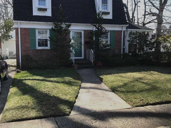 Bright, Sunny, 3 Bedroom, Full Basement Whole House Rental