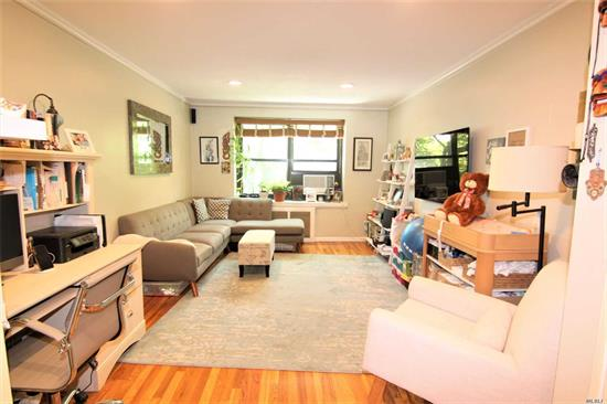 A Beautifully Renovated Large One Bedroom Apartment with Wall to Wall closets in Bayside. Must See!! All Utilities but Electric is included. Windsor Park provides Outdoor Pool, Outdoor Tennis Court, Security And Many Playgrounds. Close to all you need: Shops, Restaurants, Pharmacy, Banks, Parks etc. - Requires Board Approval