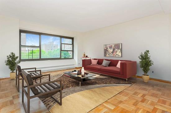 Queensview offers the best of both worlds, with an easy commute all while offering a green oasis within the hustle and bustle Queens. Situated near all Astoria has to offer with its eclectic restaurants and vibrant community, Queensview's park-like grounds allow a respite after a long days work. Spacious and extremely sunny, this 2br is perched on the 8th floor with south and west exposures. Oversized living room windows, with dramatic views of Queens, Manhattan and the treetops of the complex.