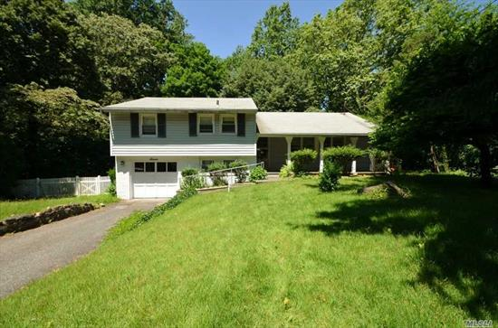 Wonderful Opportunity to Renovate or Re-Build Your Dream Home! Split Level House In Cul De Sac Neighborhood With Winter Waterviews. Oversized Property! Award Winning North Shore Schools!