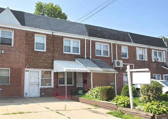 Well Kept 1 Family in Flushing. Excellent Location on a quiet block This house features 3 Bedrooms 1.25 Baths with a Large Extention/Summer room and an extra long backyard. Prime School district 26, PS 162 MS 158. Close to public transportation Q27, Q31, Q76 buses and Auburndale LIRR.
