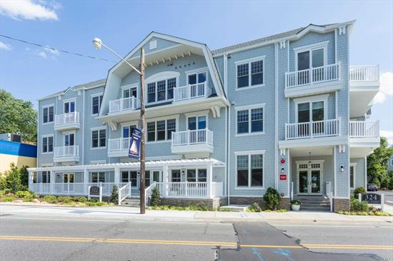 Built in 2017 Luxury Bldg with beautiful water views of Manhasset Bay 1 Bedroom with Second Room for Office/Den One Full Bath and 1/2 Bath for your guests. Great Room With EIK, quartz counters Living Room w/sliders to balcony with water view Laundry in Unit , Elevator , Parking with additional Fee. 2 Year Lease.