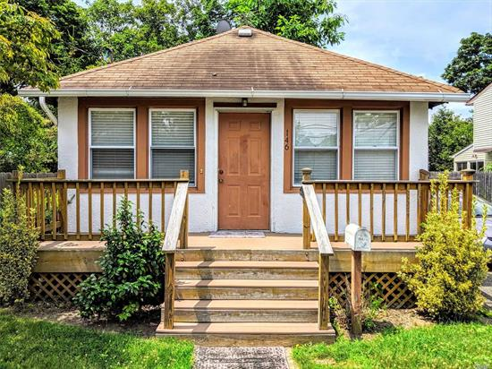 Lovely, well kept 3 br ranch with large yard. Close to Sunrise, Montauk Hwy and stores. This house is on a quiet block with friendly neighbors. This is a full house rental with washer/dryer hookup and access to basement, 3 car driveway and garage. New kitchen, bathroom, floors and dishwasher.