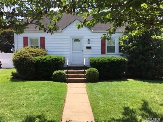 Dont miss this expanded 2 bedroom 1 bath great starter home. Mid-block location with large backyard.