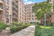 Spacious & bright studio with open views, ample closet space throughout, separate modern windowed kitchen, facing north and east. Near all shopping, restaurants, express buses to Manhattan (QM6/QM36) and Alley Pond Park
