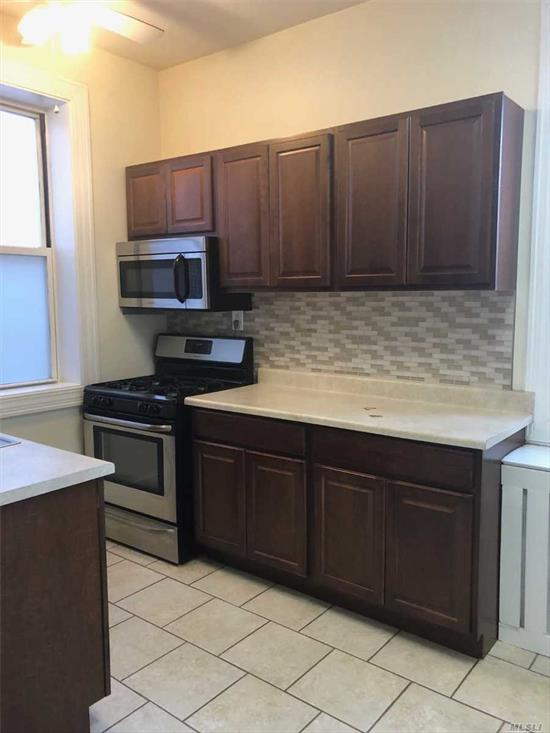Landlord pays commission fee. Fully updated, one bedroom apartment. Move-in ready, immaculately kept, 2nd floor unit. Tiled kitchen and bath, parquet hardwood floors, high ceilings, stainless steel appliances, loads of natural light. conveniently located to train and shops.