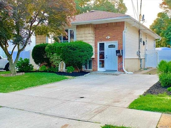 Excellent house Ready to move in , very well located next to transportation and markets just 5 mints from major highway Southern State Parkway , nice hardwood floors , large living room and dinning room which can be convert to another bedroom . Motivated Seller .