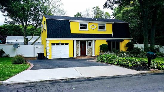 Absolutely Beautiful 5 Bedroom 2.5 Bath Colonial Rental. A Lot Of Space And Storage. Large Rooms, Open Kitchen Concept, New Stainless Steel Appliances. It's A Must See! Only 12 Minutes away from major Hospitals and Universities. Close to All.