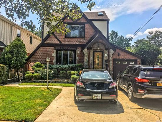 VERY SPACIOUS DETACHED TUDOR; GREAT HOUSE FOR LARGE FAMILY; JACUZZI AND STEAM SHOWER ROOM IN MASTER BEDROOM BEST SCHOOL DISTRICT 26 A LOT OF CLOSETS AND STORAGE SPACES. QUIET NEIGHBOR, EASY ACCESS TO HIGHWAY.