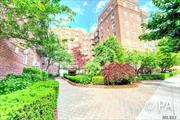 Diamond Mint Large 1Br, With Raised DA, Renovated Granite Kitchen And Bath, Hardwood Floors, Raised Dinning Area. 18 Hr Doorman, Steps To E & F Trains And L.I.R.R. , Austin Street and Queens Blvd, Must See.