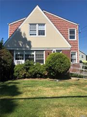 Fully renovated 3 bedrooms apartment on the second floor of a two family building in school district 20. all brand new kitchen, bath, appliances, carpets and hard wood floor. price is including heat and water.