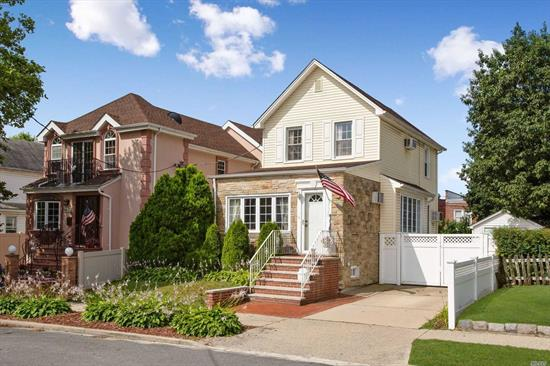 Turn Key Home Bring Your Tooth Brush And Move Right In, This Home Is Perfect For First Time Home Buyer Or Someone Looking To Scale Down. This Is A Well Manicured Home In Floral Park Queens, Location Is Convenient To Shopping And Transportation,