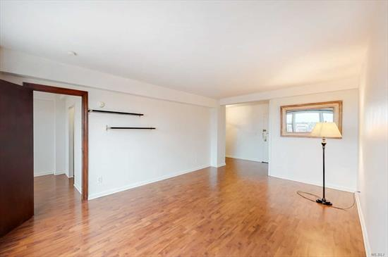 High Floor Recently Updated 1 Bedroom Coop. Updated Bathroom And Kitchen, Fireproof Concrete Building. Elevator Building With Doorman, Gym, Laundry. Very Convenient To Subway, Buses, Lirr, Shopping And Restaurants. Minimum 20% Subletting Allowed. Sorry No Pets.