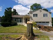 Beautiful curb appeal on this 3 bedrooms 3 bathroom split level home on 7700 sqft lot. Built in 1956 the house has over 2000 sqft and has a 2 car garage.