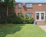 Great Location! 1st floor. unit, Ideal shopping and Bus transportation.