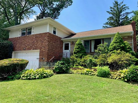 This great split-ranch is on a quiet, tree-lined, cul-de-sac in the heart of Glen Cove. The beautiful property provides multiple areas to entertain. The 3-bed & 2.5 bath house has great bones; with over 2000 square feet of living space, there is plenty of room for all. Close to shopping yet it maintains a tranquil setting. A must see!!
