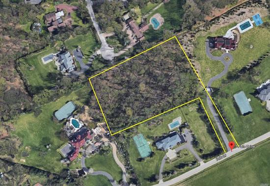 Old Westbury. Beautiful 3.84 Acre Lot Located in the Heart of Old Westbury on a Quiet Cul-de-Sac Street Overlooking Magnificent Polo Fields. Motivated Seller Willing to Listen to All Offers.