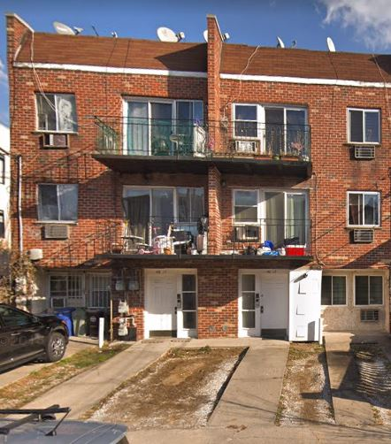 Legal 3 Family House For Sale In Flushing! Features 2 Bedrooms Over 2 Bedrooms Over 1 Bedroom. 2nd and 3rd Floor Apartments Have Dining Areas. Full Finished Basement. Private Driveway. Building Size Is 23X50. Close to Shopping & Transportation. Great Investment opportunity!