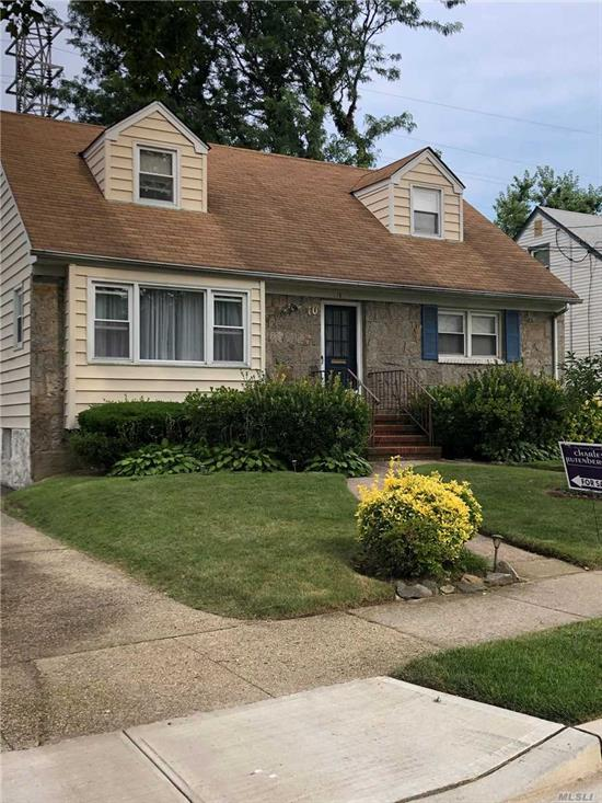SUPER CLEAN AIRY AND BRIGHT WITH A LG WOOD DECK OFF DINING ROOM VERY RESIDENTIAL AND YET CLOSE TO ALL A MUST SEE WONT LAST
