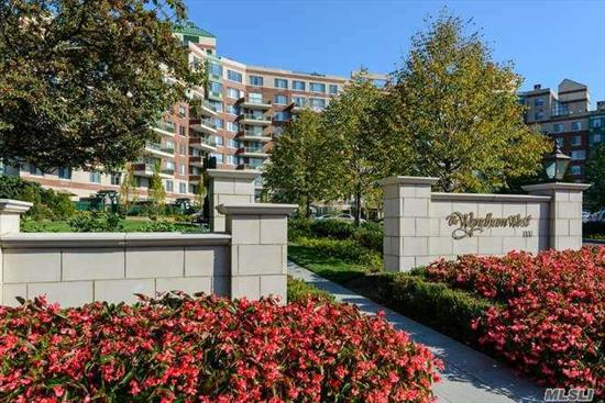 Delightful 1 BR 1.5 BA unit in 5-STAR full-service building in the heart of Garden City. Convenient to shopping, LIRR and restaurants. 24-hr. doorman, concierge and security. Amenities include INDOOR in-ground pool, gym, club house, outdoor spaces with patio/bar and BBQ, movie theater, storage space, valet parking. Brand new stove, HVAC units, New doors to patio. Move-in condition. Full-size washer-dryer in unit.