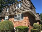 Spacious 2 Bedroom Duplex Apartment Close to Manorhaven Community Park, Beach and Pool.