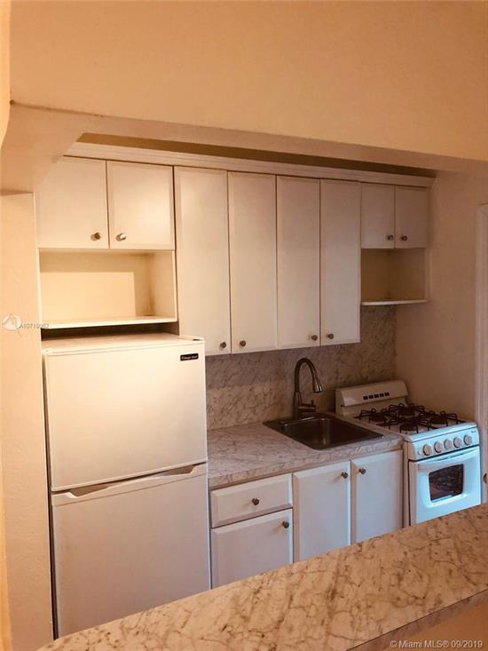 Available Sept 1, 2019 For Annual Rent. <Br />Great 1 Bedroom 1 Bath Unit Centrally Located In South Miami. Fully Renovated In 2016, Spacious With Lots Of Closet Space. Walking Distance To Shops, Metro-Rail And Easy Access To Us1 And South Miami Hospital. <Br />One Mile Away From University Of Miami! First+Last+Security To Move In. 1 Pet Under 25 Lbs Is Allowed