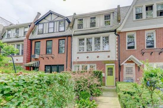 Beautifully renovated true townhouse located in the heart of Forest Hills right next to the famous Forest Hills Tennis Stadium. Perfect Mother/daughter layout with a bedroom, family room, full bath and private backyard on the first floor. Sun-filled, high ceilings with an open floor plan on the upper level. 3 bedrooms 1.5 baths. Conveniently located just 6 minutes to the LIRR, express/local trains and all the great shops and restaurants on Austin St. Zoned for the well-rated PS144.