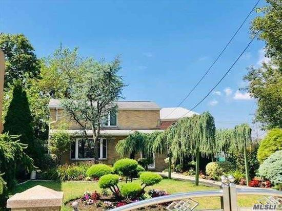 Zoning R3A. Located Prime Area in Whitestone.  Newly Up-dated 25 Years go. Mint Condition with Beautiful Yard, This is a Great Investment Property.